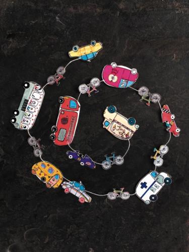 Guirlande : voitures à colorier