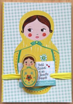 Petit carnet Matriochka jaune et sa broche poupée